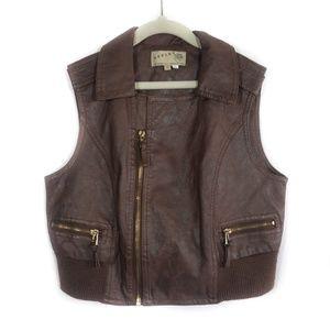 ✨3/$25✨Ashley By TwentySix Brown Vest - 6/7